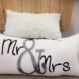 Sisustustyyny Mr & Mrs